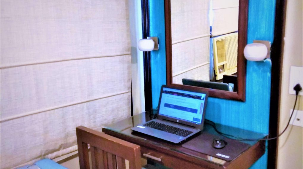 My Temporary Hotel Office Desk [WordCamp Delhi 2017 (2)]